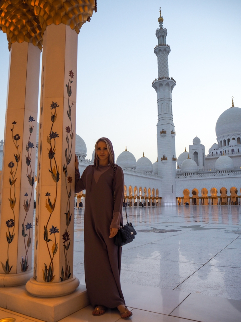 Dress code at Sheikh Zayed Mosque in Abu Dhabi